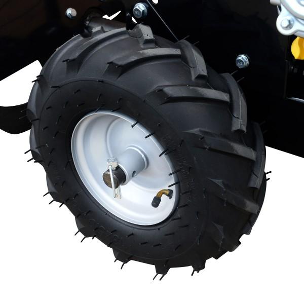 Große luftbefüllte 33cm-Räder mit großer Profiltiefe, ideal auch für unwegsames Gelände